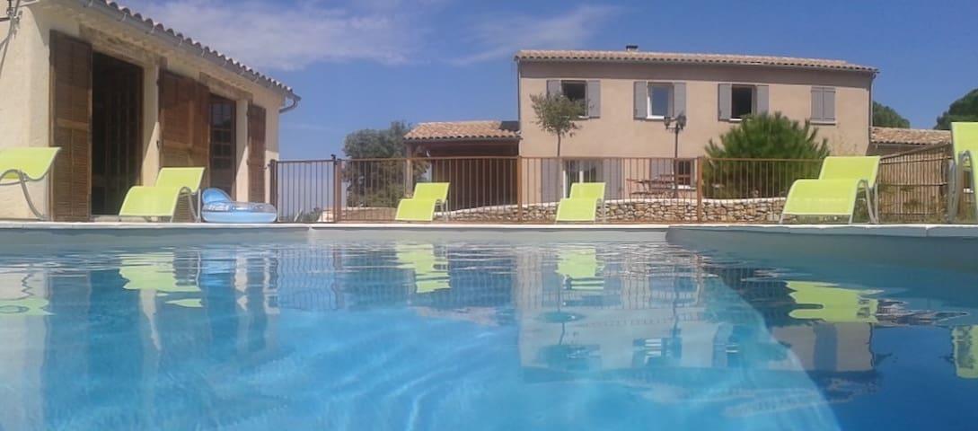 Villa Agrippa 8 personnes avec piscine sécurisée - Mondragon - Villa