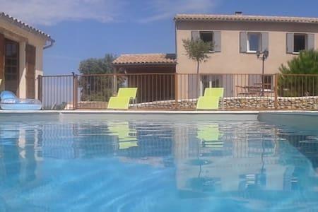 Villa Agrippa 8 personnes avec piscine sécurisée - Mondragon