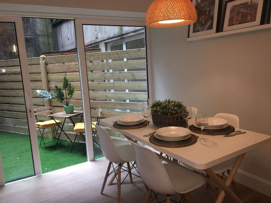 Dining area that opens onto some outdoor space - a rare find in Dublin city!