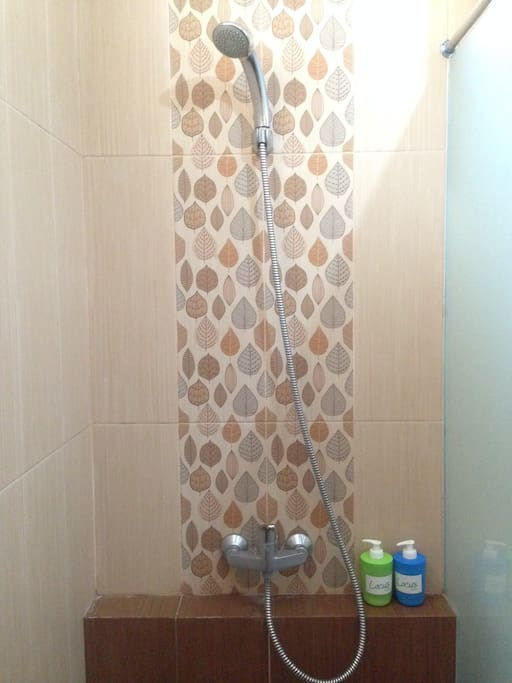 Kamar mandi luar