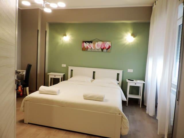 Pretty Tiburtina Room 1