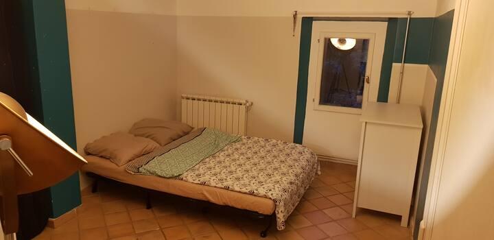Chambre privée dans jolie maison provençale