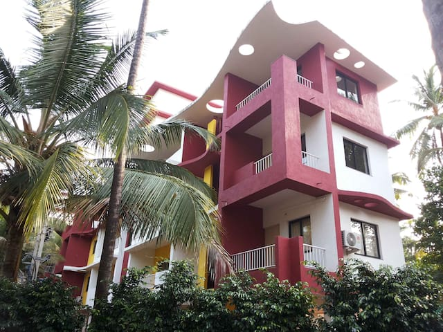 Cozy, peaceful 2bhk nr Beach Goa - Arossim - Apartament
