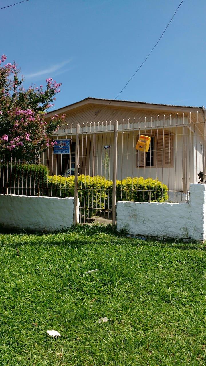 Casa grande com garagem e piscina em Rosário