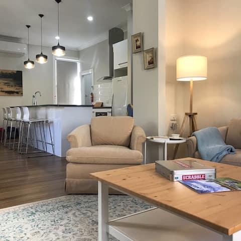 Quiet, convenient, spacious comfort in Goulburn