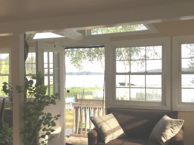 Highland Lake Hideaway minutes from Portland!