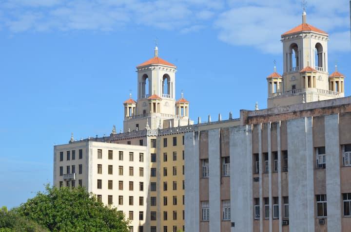 Apartment in the heart of downtonw Havana