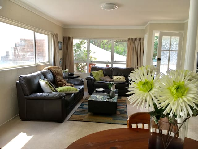 Downtown Mount Apartment/One Road back from beach - Tauranga - Wohnung