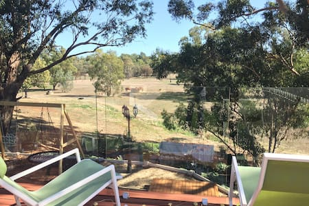 Little House on Terrace - Guildford - Talo