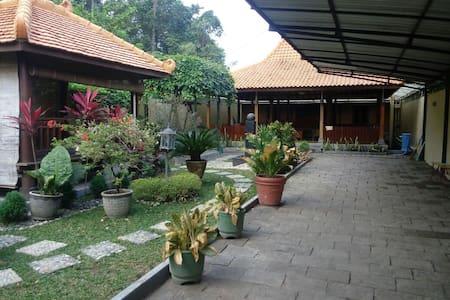 Javanese Homestay (Full House) - Kalasan