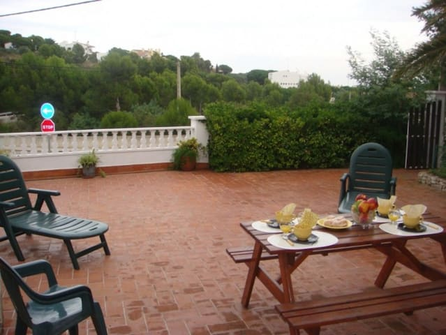 052 Apartment with large terrace, near the beach - Llançà - Casa