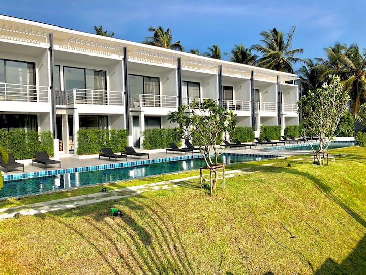 The Blue Lotus 5 - Duplex 2BR + Pool