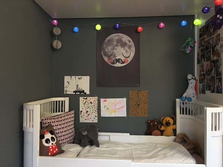Kids bed - One kid can come for free (max 5 yrs)