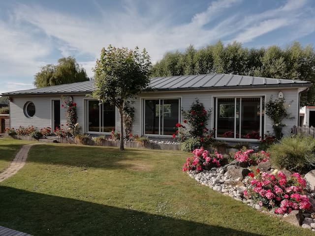 Grand-Laviers  Studio avec piscine  intérieure