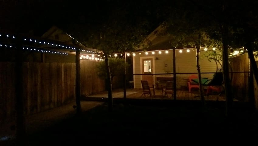 the Rustic Barn Retreat - Downtown - Livingston - Casa de huéspedes