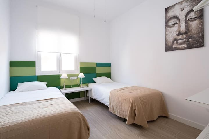 Private bedroom with 2 separate single beds
