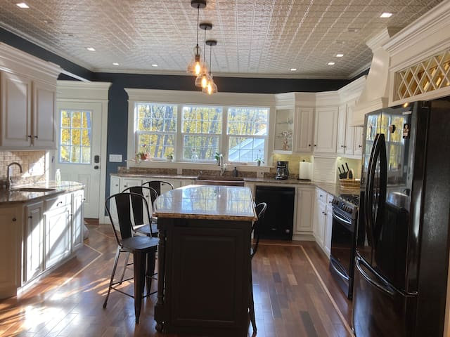 Beautiful Apartment In The Heart Of South Hadley