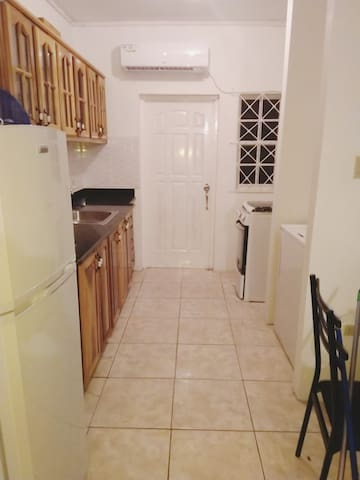 Gorgeous Apt. in Great Area for Couples & families