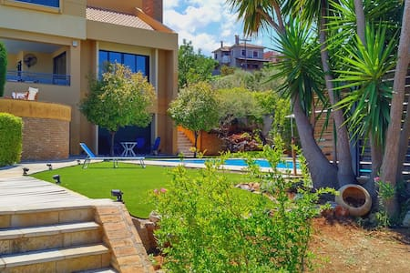 Cozy Villa with Pool, View, Internet, Barbeque