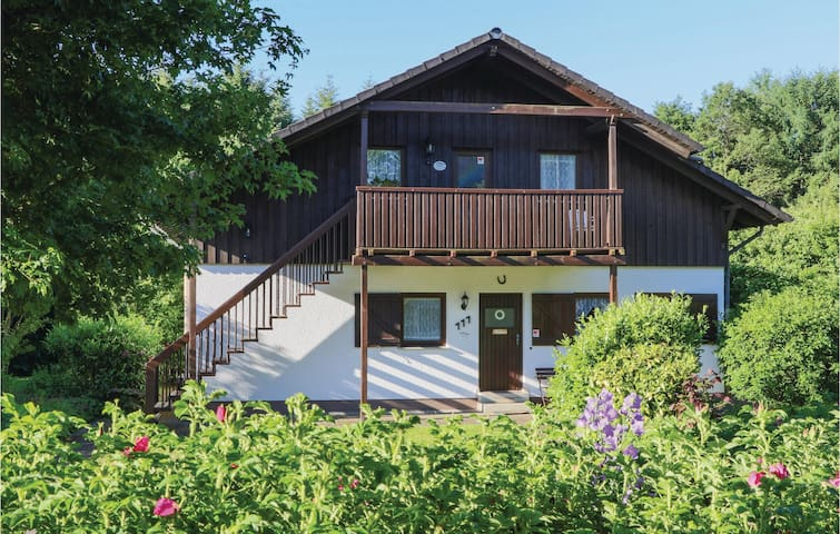 Holiday apartment with 2 bedrooms on 65 m² in Thalfang