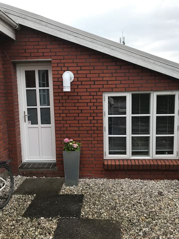 Apartment with own entrance