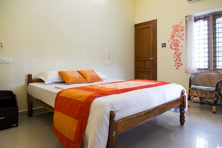 Spacious Private Room near Chethy Beach @ Marari - Mararikkulam North