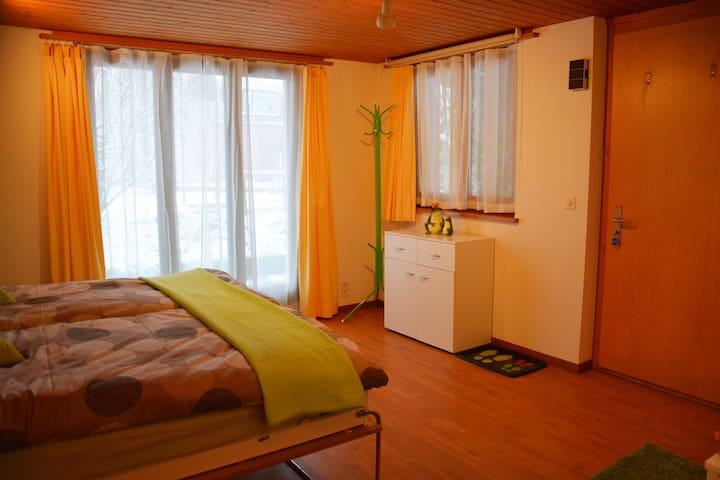 """1,5 Zi- Wohnung """"Härzton"""" in Bönigen b. Interlaken"""