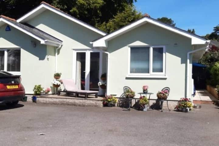 3 Bedroom Bungalow in St. Fagans Village, Cardiff