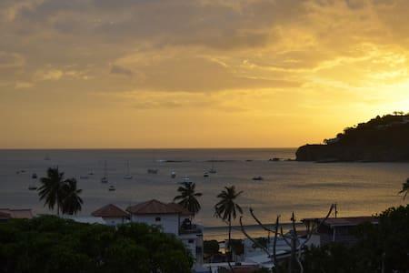 KING bed w/bath & breakfast: NC - Jungla Room - San Juan del Sur - Bed & Breakfast