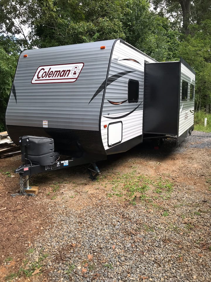 Barn Lodge Farmstay Camper By Roanoke & SMLake!