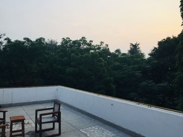 Ridge Rooftop, private penthouse, CSDS, Delhi Univ