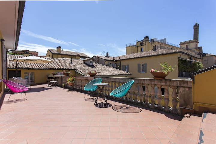 3 bedrooms apt in the heart of Bologna!