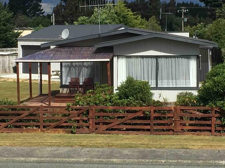 Warm Cosy Kiwi Crib
