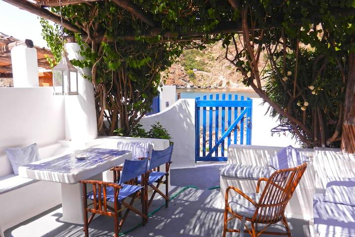 Romantic Getaway at the beach of Zimmari - Panarea - Panarea - House