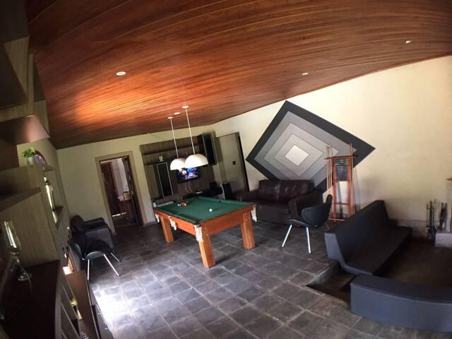 Chácara próxima de SP c/ Piscina, Futebol e Sinuca - Alumínio - House