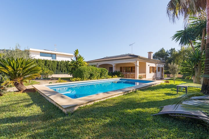 Can Cirerer. Villa with pool near Pollença