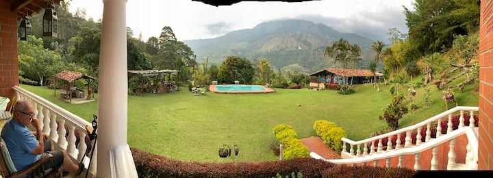 *PARADISE* only 40 minutes to Medellin !