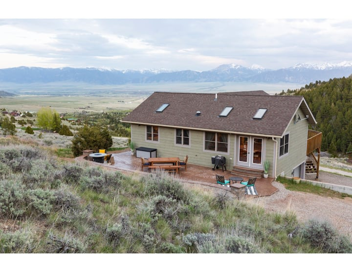 Antelope Mountain Getaway - Incredible Views of the Madison Valley