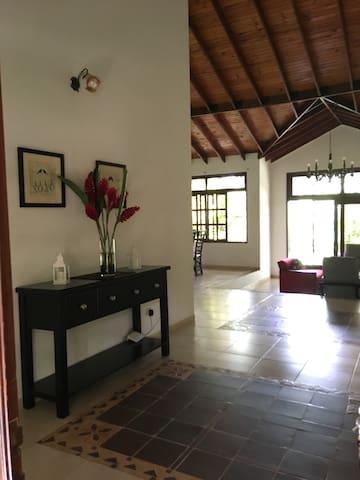 Casa completa para tu descanso en el Llano!