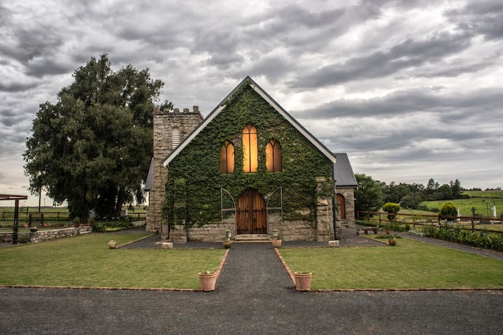 St Andrew's Retreat - Unique converted Church