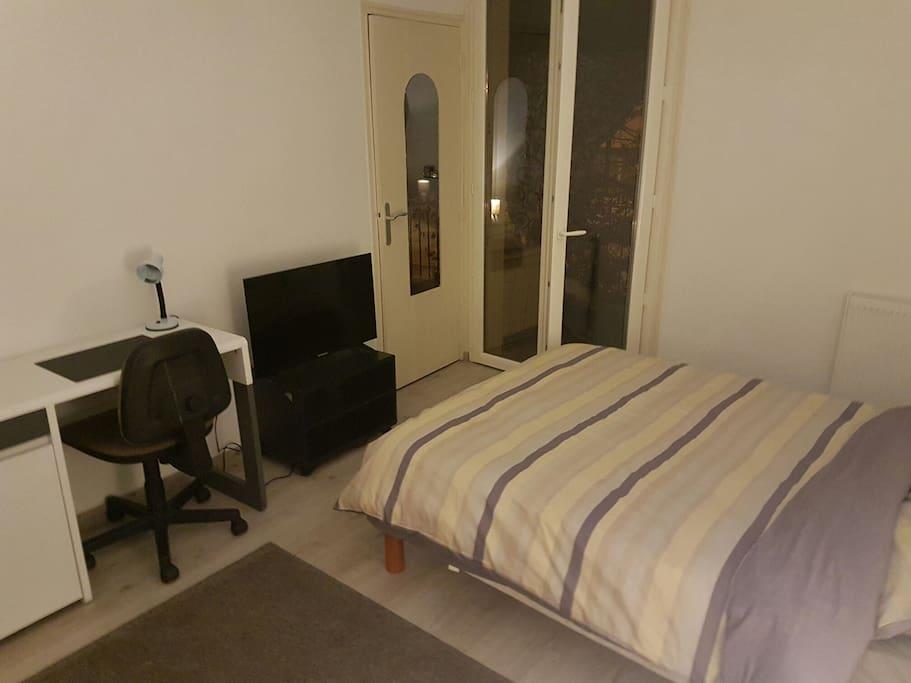 Chambre avec terasse comfortable appartements louer - Chambre avec jacuzzi languedoc roussillon ...