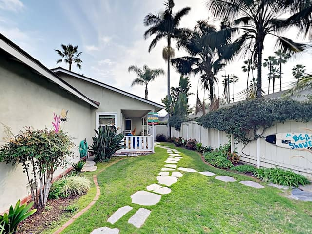 Two Beach Bungalows: bright, charming, by the beach