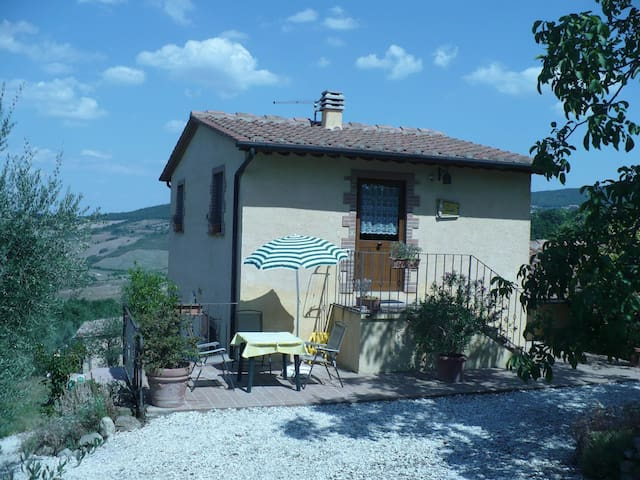 Apartment for couples near Siena - Radicondoli - Huoneisto