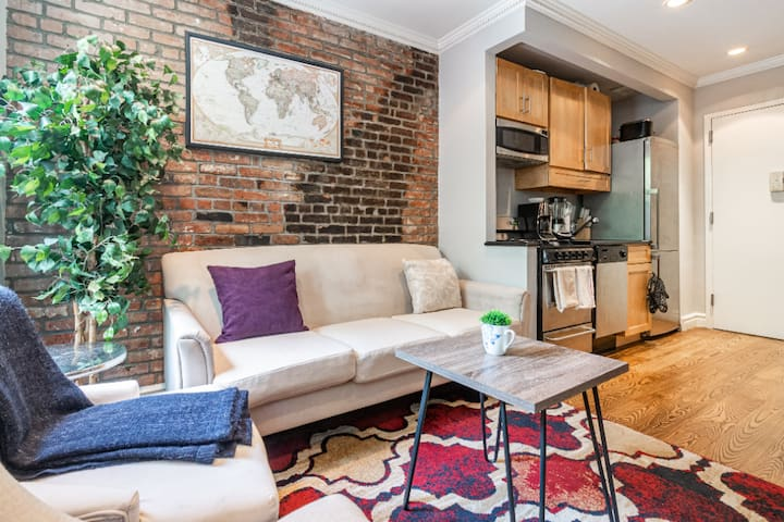 *Prime 2 BR* in Central East Village +Free Laundry