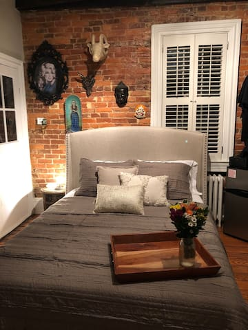 An artsy space in the heart of Georgetown DC!