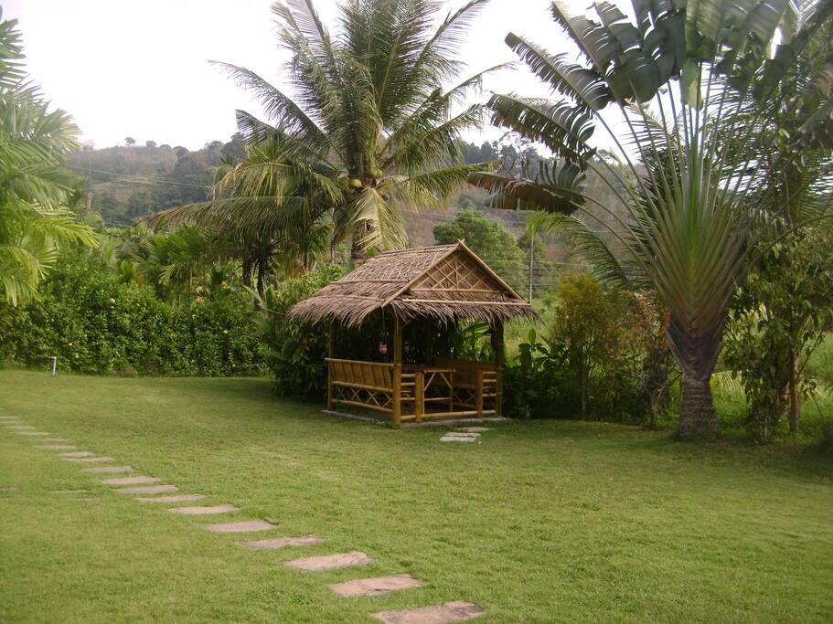 Sala dans jardin