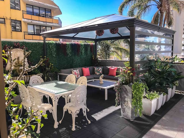 "Surfers Paradise 5 Star Rated Share ""ORCHID AVE"""