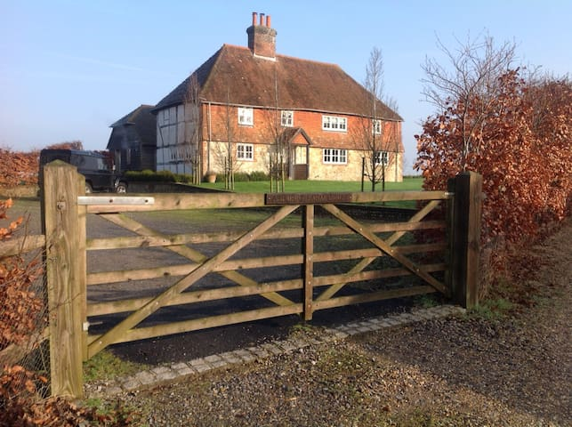 Ashurst Farm House - West Sussex - Inap sarapan