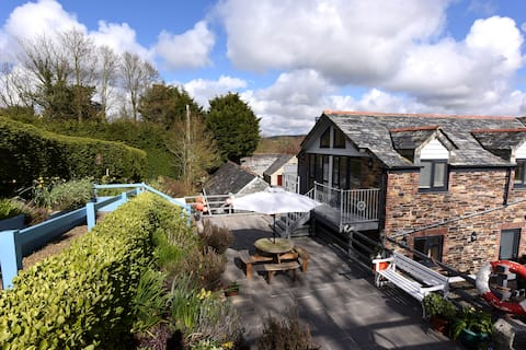 Tranquil Cornish retreat close to beaches and moor