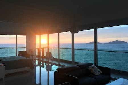 Spectacular ocean views from each room, Torre Eme!